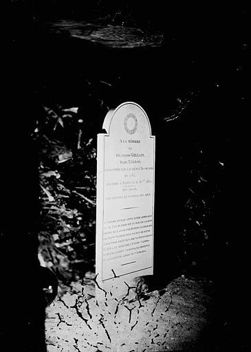 Stèle à la mémoire de la dame Legros, qui sauva Latude