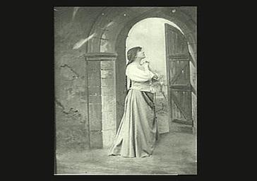 Sarah Bernhardt : Jeanne d'Arc dans 'Jeanne d'Arc', drame lyrique de Jules Barbier, musique de Charles Gounod