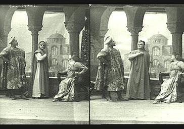 Sarah Bernhardt, Abel Deval et de Max dans 'Gismonda'