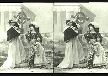 Sarah Bernhardt, Mlle Deschamps et de Max dans 'Gismonda'