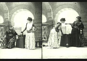 Sarah Bernhardt : Théodora, Marie Laurent : Tamyris, dans 'Théodora', drame de Victorien Sardou
