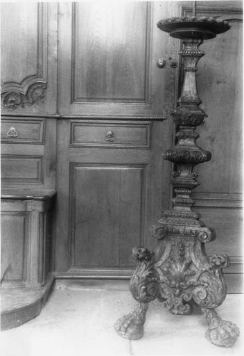 chandelier pascal ou porte-torchère, bois sculpté