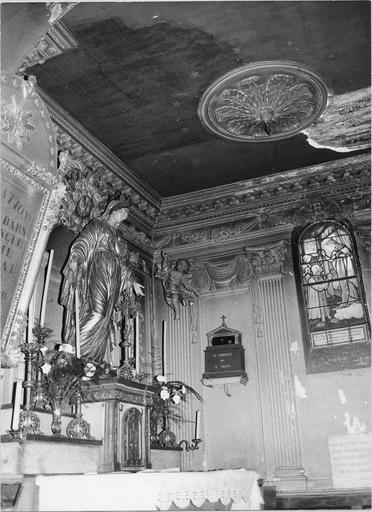 Statue de la Vierge et tabernacle