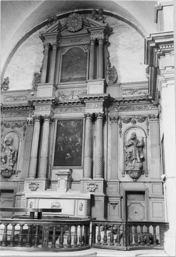 maître autel, vue générale, tabernacle, retable et ses deux toiles: la Bonne mort et l'Enlèvement au ciel de saint Joseph; statues de saint Augustin et saint Ignace en bois sculpté, XVIIe siècle
