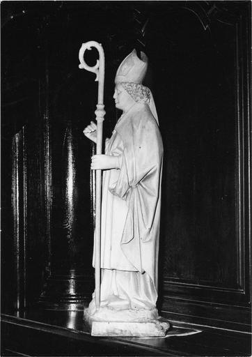 Statue : saint Claude, bois peint, fin 16e siècle - début 17e siècle, vue de droite