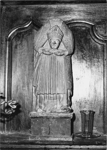Statue : saint Denis, pierre, 16e siècle