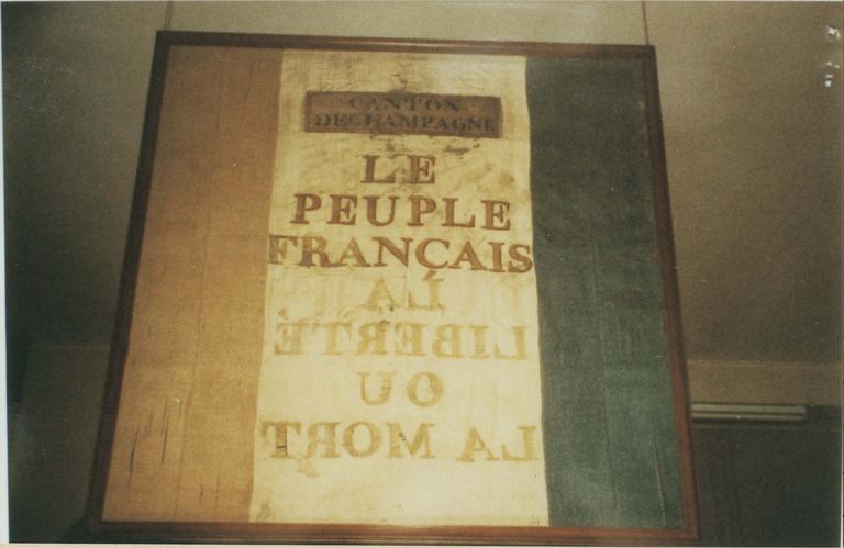 Drapeau des volontaires du canton de Champagne, soie, 1792