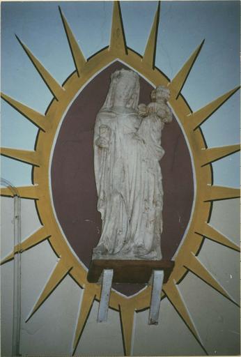 statue : Vierge à l'Enfant,pierre, 16e siecle, vue de face