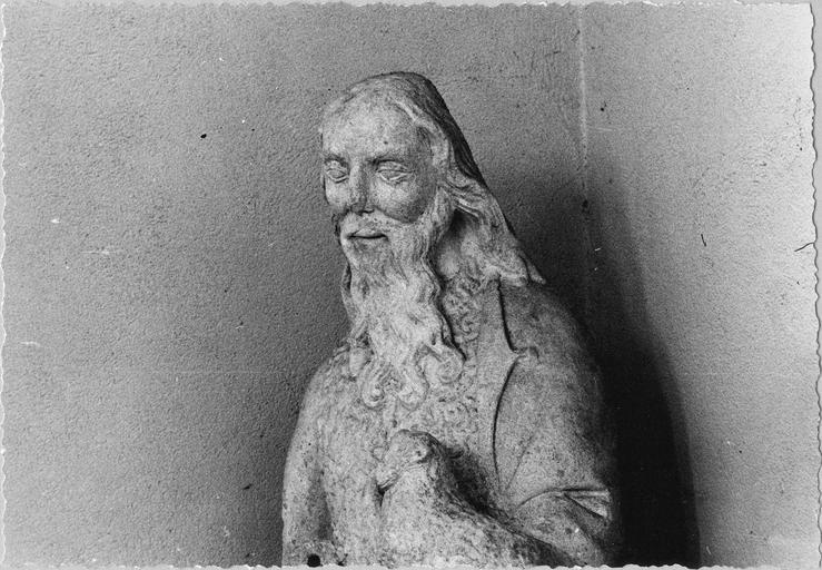 Statue : saint Jean-Baptiste, pierre, fin 15e - début 16e siècle, vue en buste