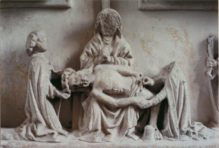 Retable, pierre, fin 15e siècle, détail de la Déploration au centre