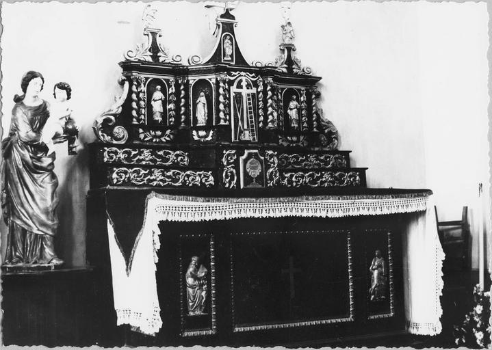 Autel bois peint et doré, fin 17e siècle, vue d'ensemble
