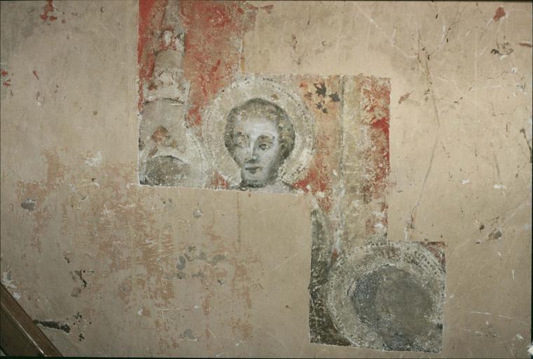 Peinture murale, fin 14e ou début 15e siècle, détail du mur Ouest, un saint