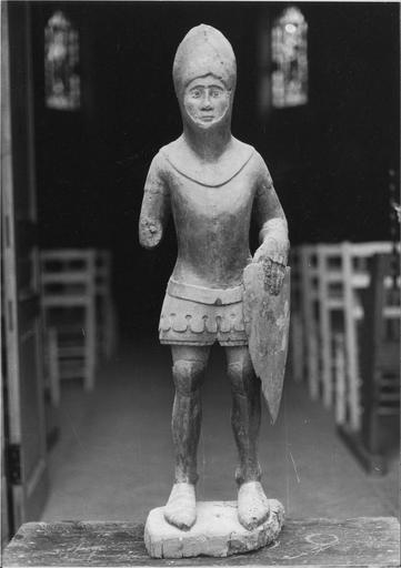 statue : saint Maurice, bois, 14e siècle, vue frontale