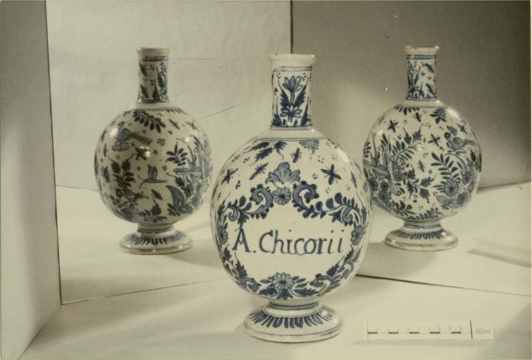 Pot à pharmacie avec inscription: 'A.Chicorii'