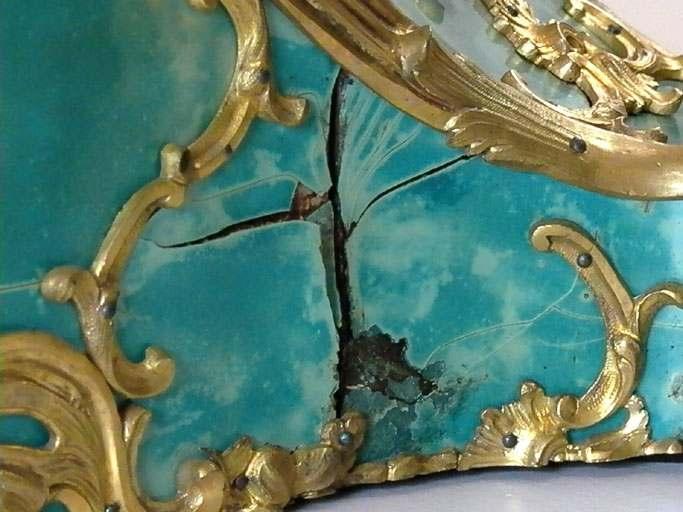 cartel sur console Louis XV, détail de l'écaille