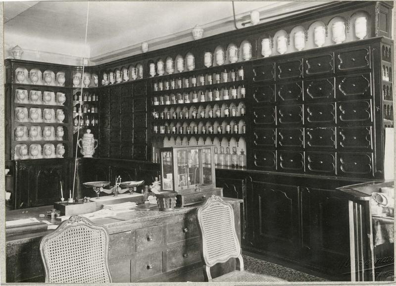 Pots à pharmacie, vue générale