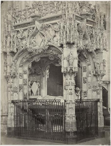 Tombeau de Marguerite d'Autriche, femme de Philibert le Beau, vue générale