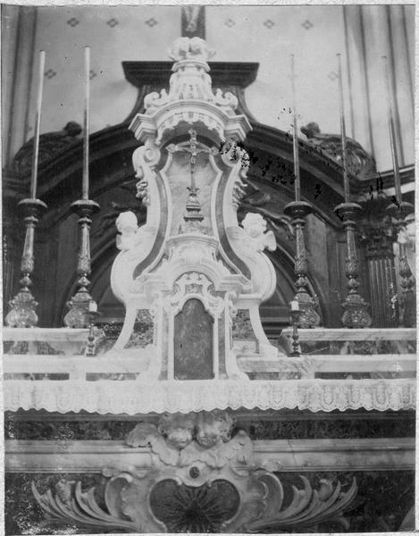 Autel (maître-autel), vue partielle