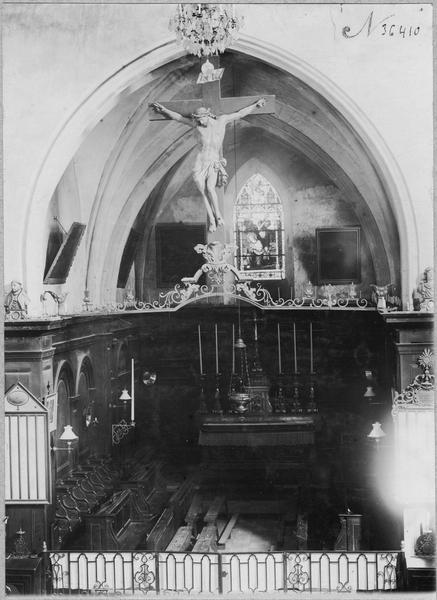 Statue (grandeur nature) : Christ, vue générale