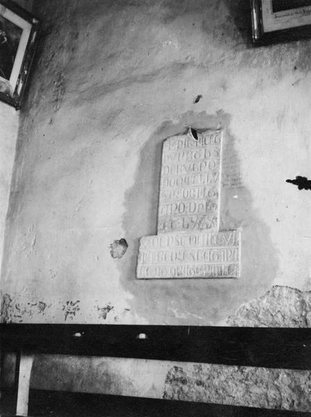 plaque funéraire de Humbert de Buhenc, vue générale