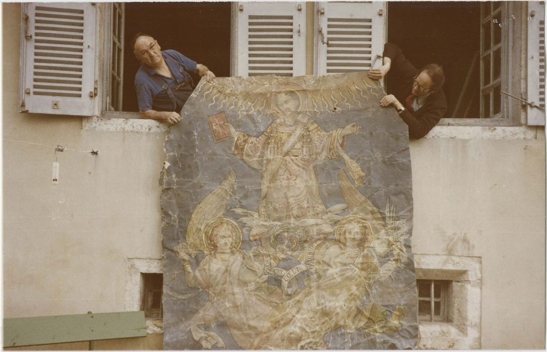 Tableau: Gloire de saint Etienne et Vierge entourée de deux anges, décor marouflé