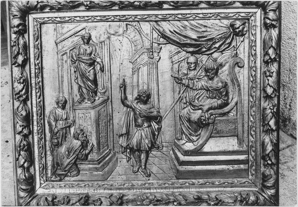 Bas-relief : martyre de Saint Symphorien