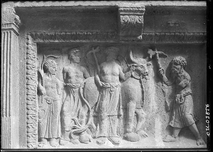 Bas-relief historié