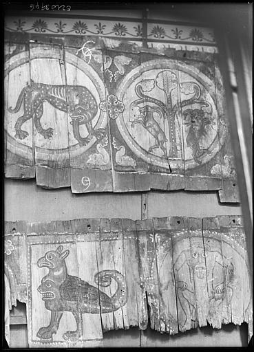 Plafond à caissons peint, provenant d'une maison moyenâgeuse : animaux