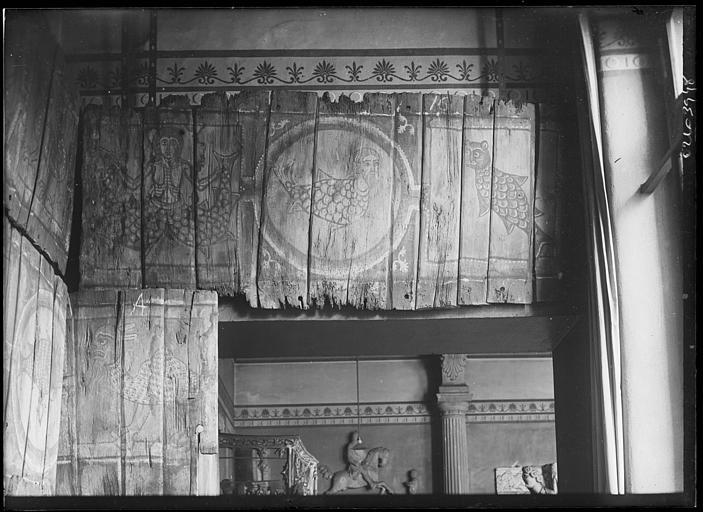 Plafond à caissons peint, provenant d'une maison moyenâgeuse