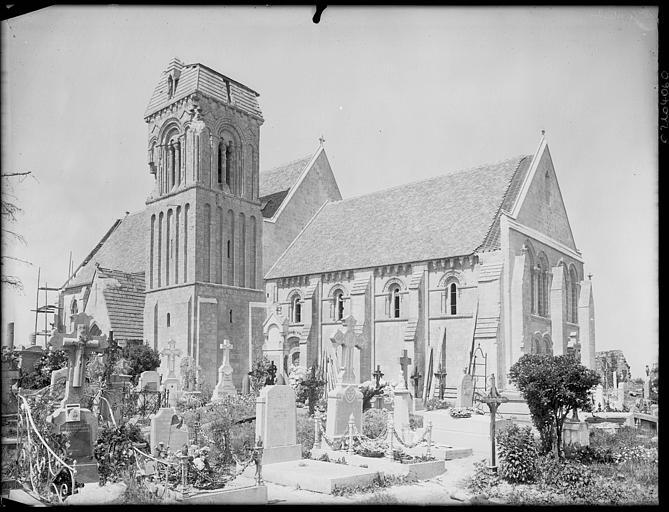 Ensemble sud, clocher et cimetière