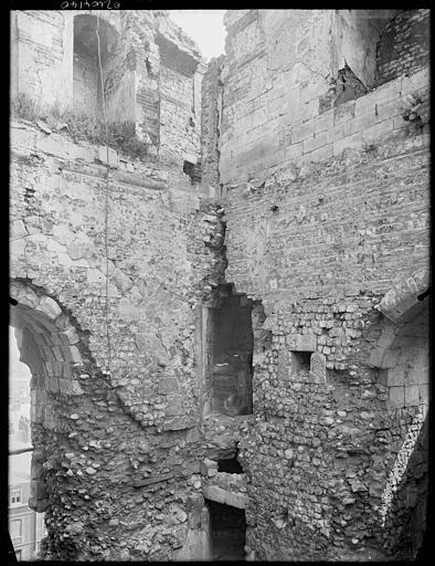Ruines : mur d'enceinte, détail