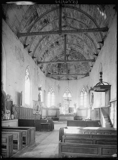 Intérieur : la nef, voûtes du plafond en bois