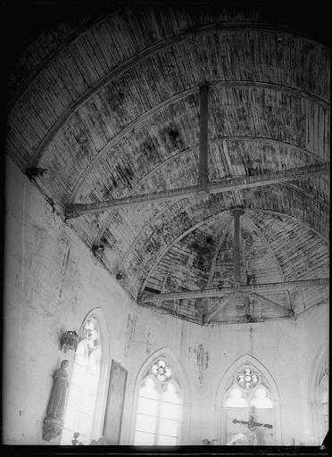 Intérieur : voûtes du plafond en bois