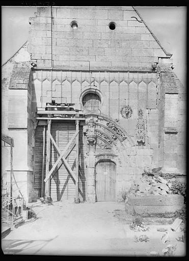Façade principale : réfection du portail