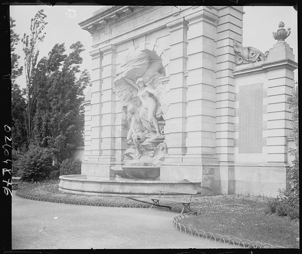 Fontaine monumentale : statue