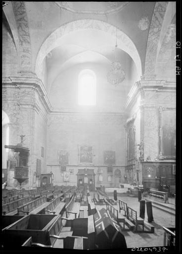 Intérieur : chapelle du bas-côté