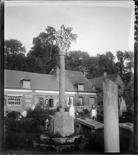 Ensemble dans le cimetière
