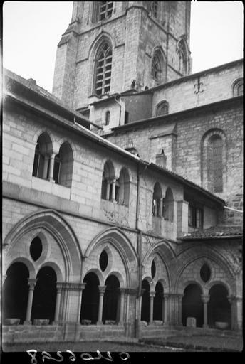 Arcature de la galerie du cloître