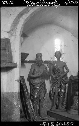 Intérieur : statues de saint Jérôme et de saint Jean-Baptiste
