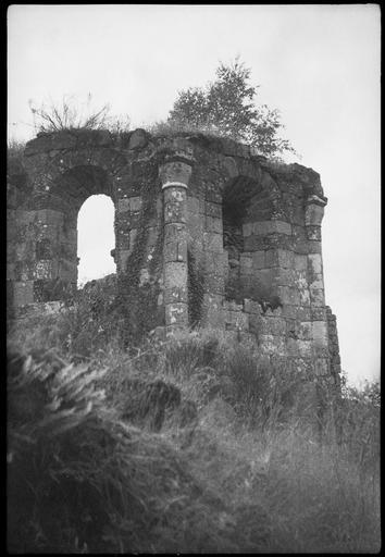 Abside en ruines