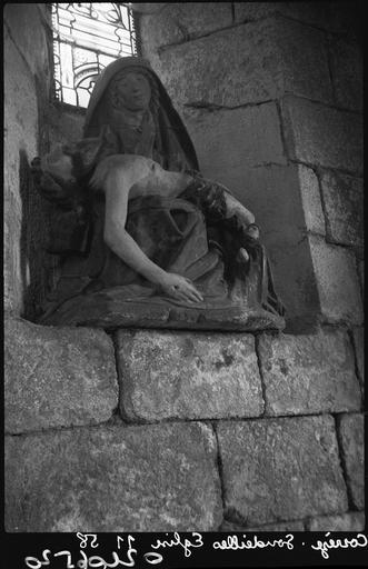 Groupe sculpté (petite nature) : Vierge de Pitié avec un évêque en donateur