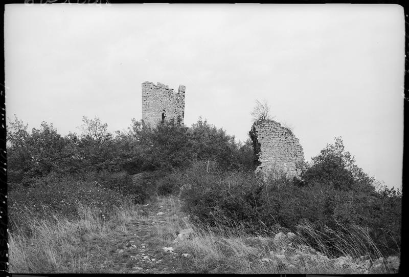 Tours en ruines