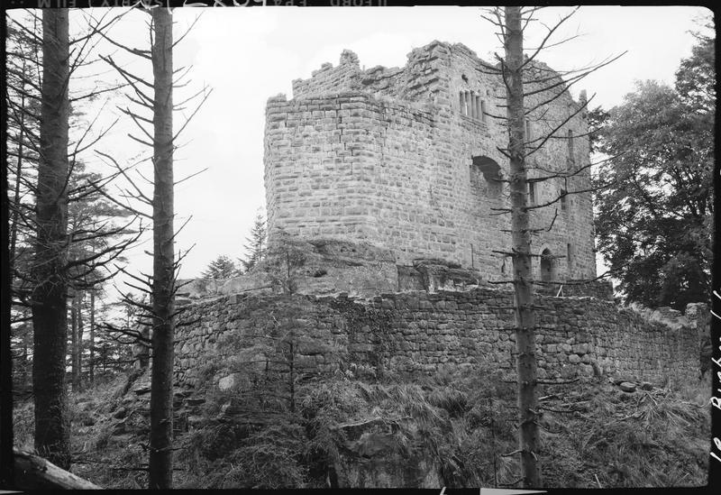 Corps de logis en ruines