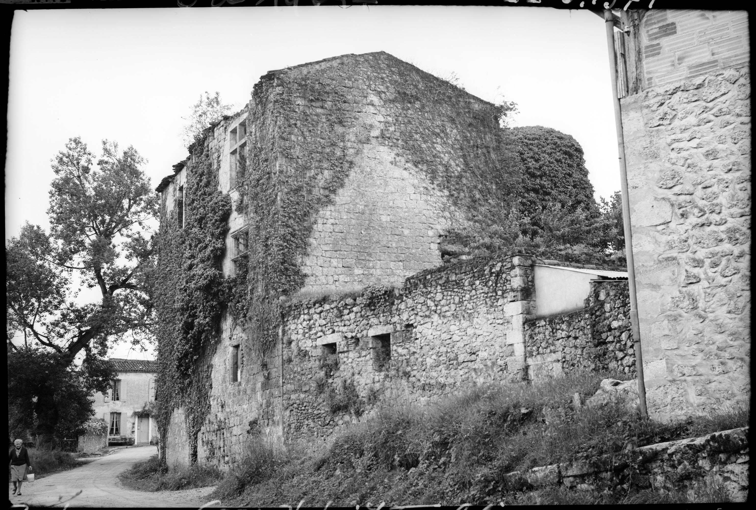 Logis en ruines sur rue