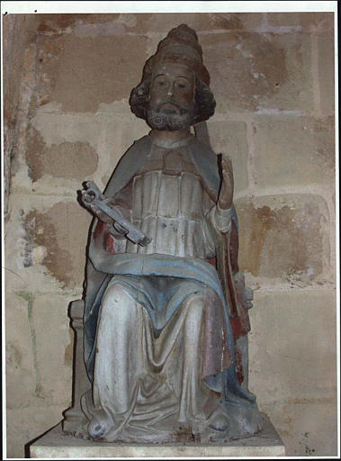 Statue : saint Pierre, vue d'ensemble