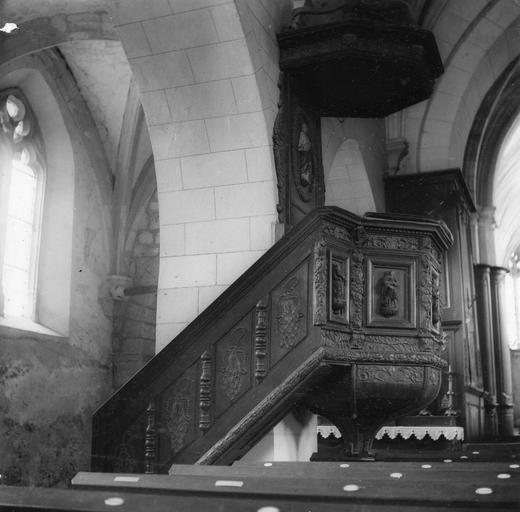 Chaire à prêcher, détail de l'escalier