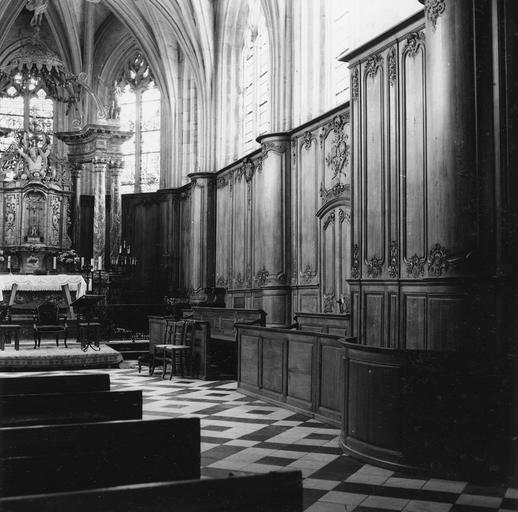 Lambris de revêtement du choeur et du transept