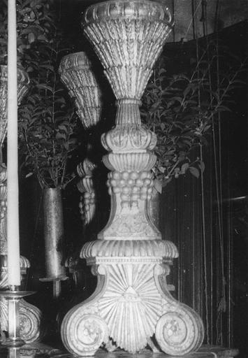 Chandelier en bois doré, 18e siècle