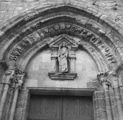 Statue : évêque, bois, 14e siècle