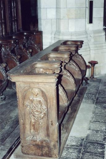 Stalles Sud du choeur, bois sculpté, fin 16e siècle
